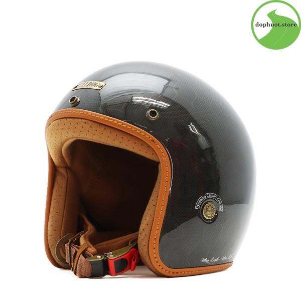 Viền mũ bảo hiểm Bulldog Heli Carbon được dán thủ công rất tỉ mỉ