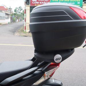 Baga Givi cho xe Vario 150